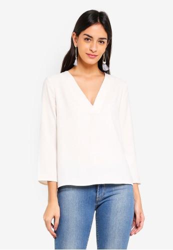 Vero Moda white Fanni 3/4 V-neck Top A5633AAAE47FAFGS_1