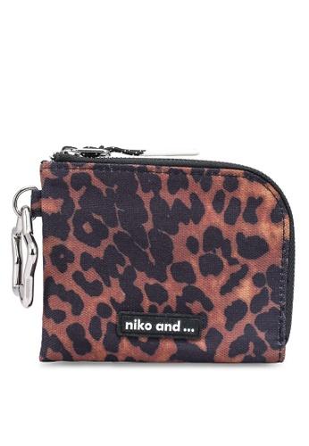 niko and ... brown Star Keychain Zip Wallet BFA2DACC79B70DGS_1