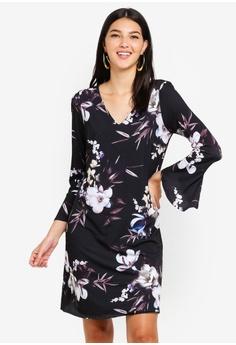 c2892f8585c0 Wallis black Black Floral Print Swing Dress BB9BAAAD686FE4GS 1