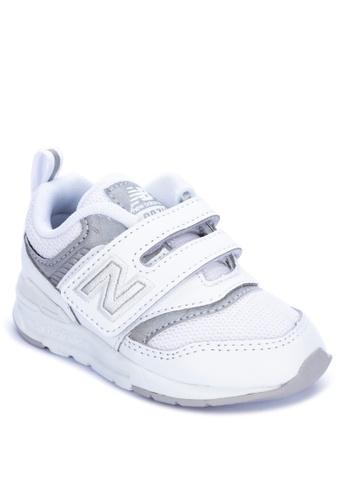 New Balance white 997H Sneakers 14AE8KS4242B59GS_1