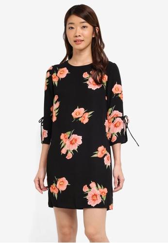 Dorothy Perkins black Petite Black Floral Shift Dress E0FA0AA2EA57C3GS_1