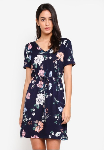 Dorothy Perkins multi and navy Navy Floral T-Shirt Dress A6BAAAA9B5CE3FGS_1