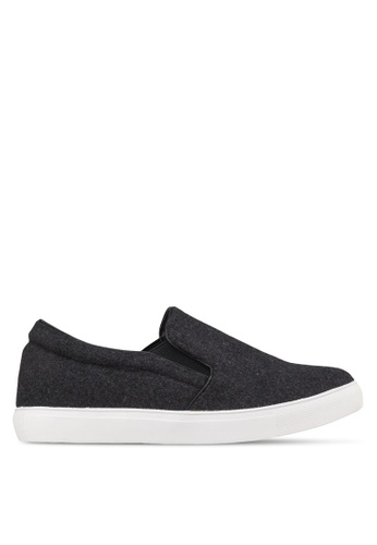 Te Chi-Chi black and grey Slip On TE125SH05UCOMY_1