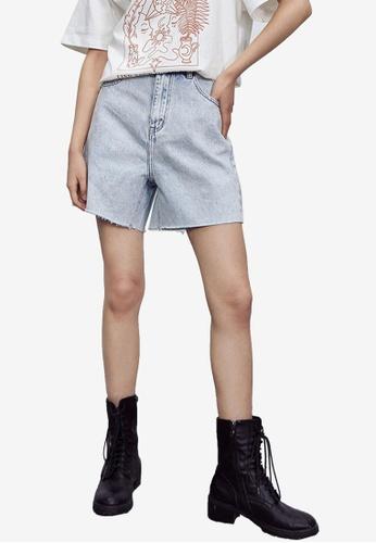URBAN REVIVO blue Casual Denim Shorts 0248DAA35072BCGS_1