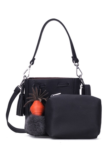 Zafiti black Solid Tone Bucket Bag 7C3E3ACC34690DGS_1
