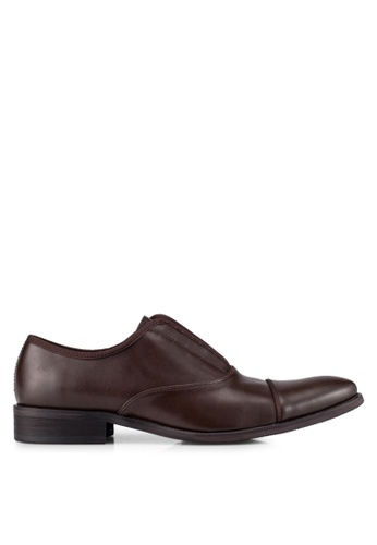 ZALORA brown Faux Leather Slip On Dress Shoes 8A229AAE6A3300GS_1