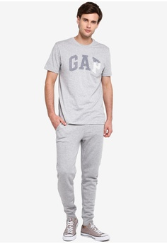 37eec520289 11% OFF GAP Gap Arch Pocket T-Shirt S$ 35.90 NOW S$ 31.90 Sizes S M L XL