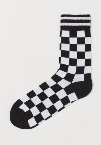 H&M black and white Patterned Socks 30506AA94AF5E0GS_1