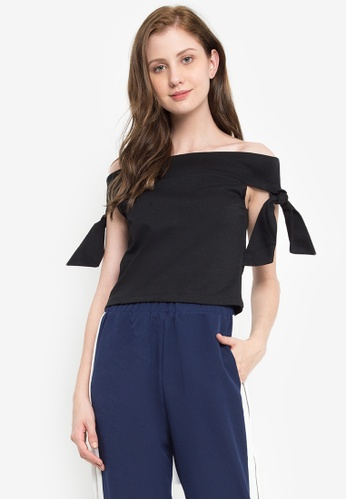 db91ab9022e86a Shop Kashieca Off Shoulder Crop Top Online on ZALORA Philippines