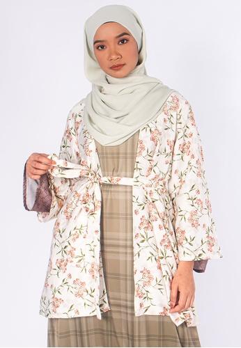 Zaryluq green and beige Bloom Kimono in Jasmine A230FAA9CF4BBFGS_1