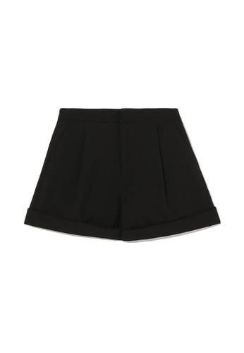 izzue black Pleated shorts 424EBAA15D76D2GS_1