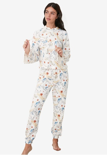 Trendyol multi Printed Hoodie Pajamas Set 76640AA42501ADGS_1