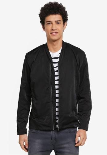 Penshoppe black Textured Jacket With Zipper Detail 8279DAA3FD41EDGS_1