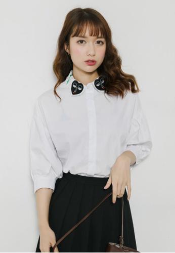 Shopsfashion white 3/4 Belt Sleeved Hearty Collar Shirt SH656AA30EYFSG_1