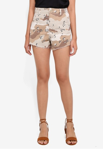TOPSHOP brown Spot Camouflage Utility Shorts 614F0AA257DFA8GS_1