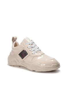 a1b32f3ad0afe 42% OFF Shu Talk AMAZTEP Retro Patent Leather Dad Sneakers HK$ 1,190.00 NOW  HK$ 690.00 Sizes 35 36 37 38 39