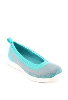 66dc951a2dd13 37% OFF World Balance Enthrall L Slip Ons Php 1