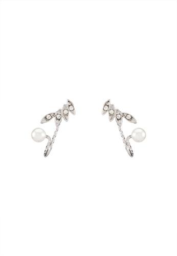 Red's Revenge white Wings & Pearl Mini Cuff Earrings RE144AC0RRU0MY_1
