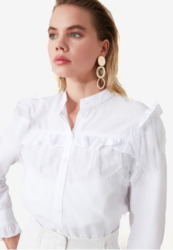Trendyol white Frilly Lace Detail Blouse 76D7CAA29E09B9GS_1