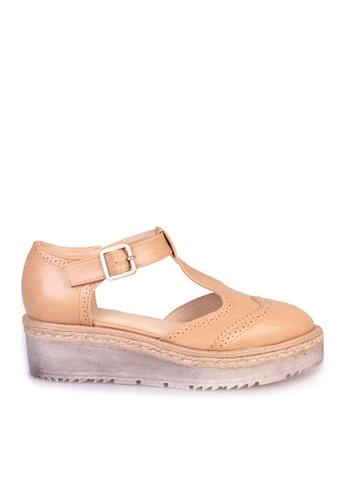 Sunnydaysweety beige 2017 Vintage Carved Buckle Platform Shoes C033099BE SU443SH84GTFHK_1