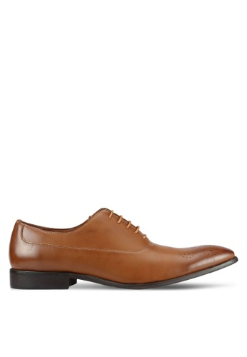 ZALORA brown Classic Faux Leather Oxford Shoes 3C328AA7489FCFGS_1