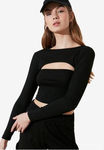 Trendyol black Long Sleeve Cut-Out Crop Top 71421AA6E3ADB8GS_1