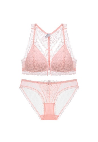 W.Excellence pink Premium Pink Lace Lingerie Set (Bra and Underwear) E5204US1349C94GS_1