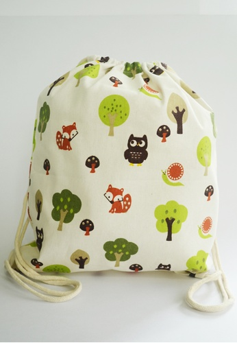 The Twinees beige Friends Of The Forest Drawstring Bag TH572AC91NCUSG_1