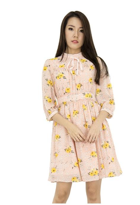 9b5eade1453 MOONRIVER Dresses   Tops Online   ZALORA Singapore