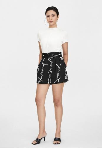 Pomelo black Abstract Print Semi Pleat Shorts - Black 8A5EAAA287136AGS_1