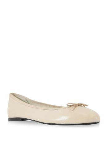 Covet beige French Sole Arabella Ballet Flats CO331SH48WHBPH_1