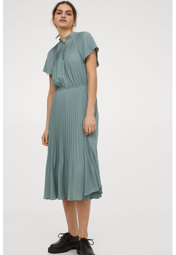 H&M green Pleated dress 039C2AA1D2CA1AGS_1