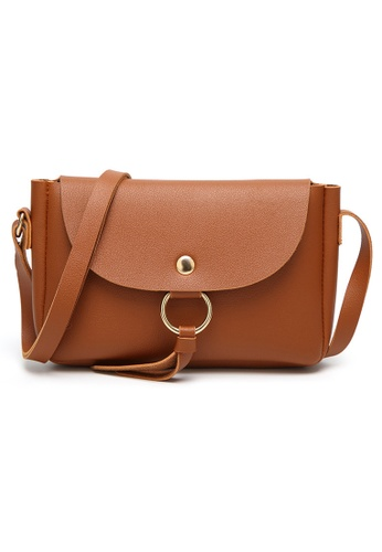 KRIZO brown Luxury Crossbody Bag In Vegan Leather ( Brown ) KR476AC90LKRMY_1