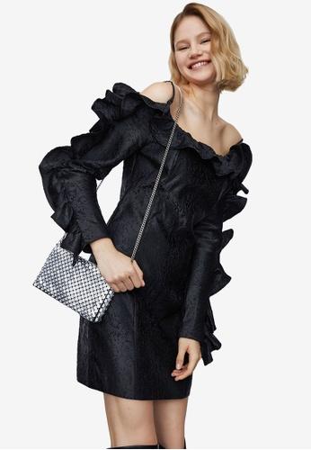 Urban Revivo black Frill Dress 618D3AA1DF428FGS_1