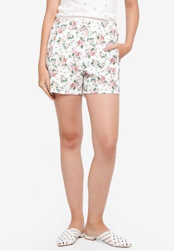 Dorothy Perkins white Ivory Floral Textured Shorts 17407AADC3D542GS_1