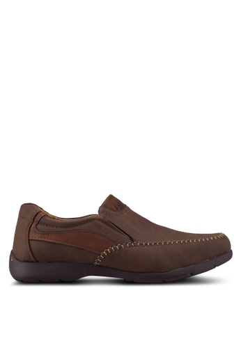 Louis Cuppers brown Slip On Casual Shoes 800C6SH1B10F6DGS_1