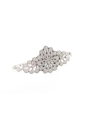 SHANTAL JEWELRY silver Cubic Zirconia Silver Flower Pattern Palm Hand Bracelet SH814AC29TXESG_1