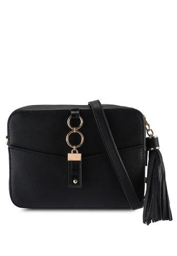 Dorothy Perkins black Black Ring Tab Camera Crossbody Bag A5D1BAC270938CGS_1