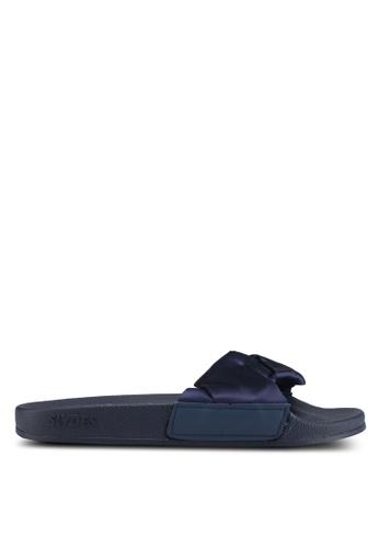 Slydes navy Dessa Sandals 8136DSH85898FFGS_1