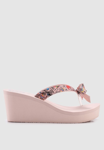3a92e65a8cdd1 Buy Guess Siarra Bow Low Wedge Flip Flops Online on ZALORA Singapore