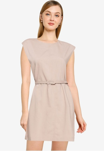 URBAN REVIVO brown Casual Dress CBDD0AA6E2DFD2GS_1