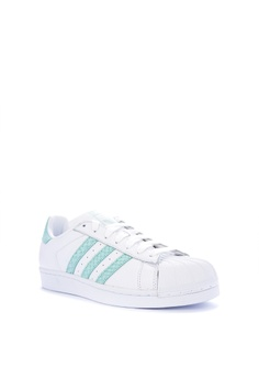 Adidas adidas originals superstar w Php 4,800.00. Available in several sizes