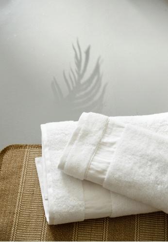 Sunday white Sunday Bedding Towel in Sunny White E73CDHLDA8DA52GS_1