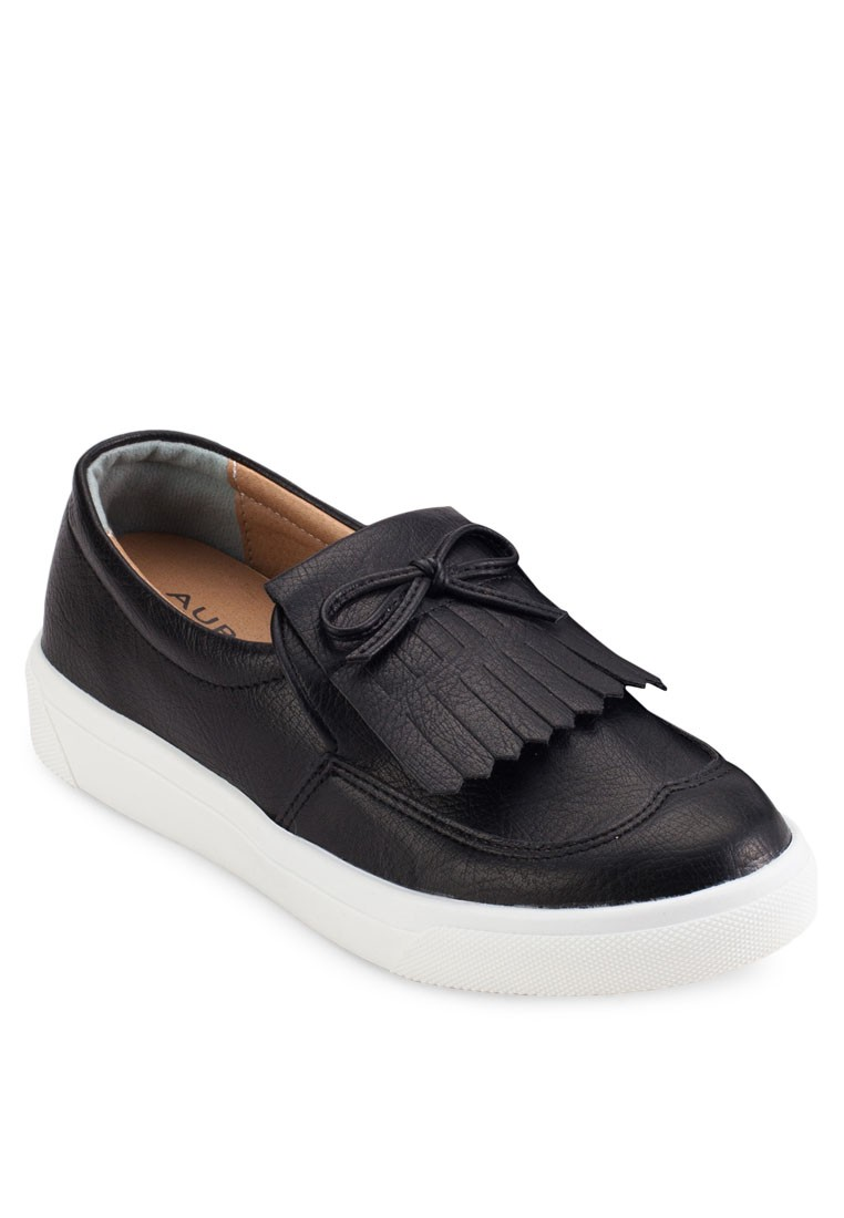 Slip Ons With Fringe