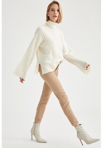 DeFacto beige Woman Woven Trouser A1B11AA396C2F4GS_1