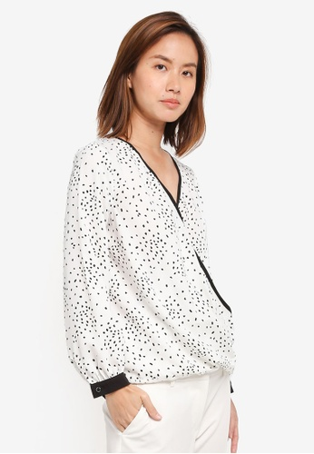 Wallis beige Petite Cream Polka Dot Wrap Top 5F21DAACCC0DC7GS_1