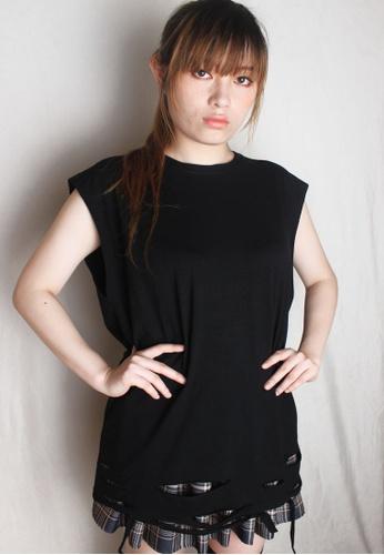 Amora Scarlett black Harimau Plain Oversized Ripped T-Shirt Black 7E64DAAD3DDC3CGS_1