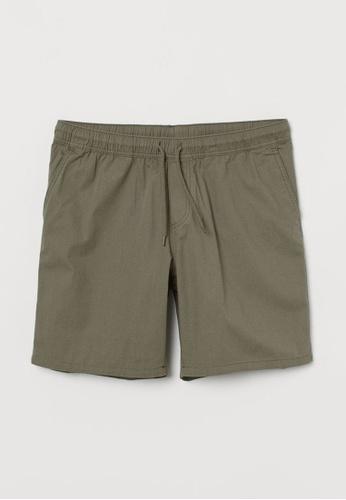 H&M green Knee-Length Shorts 81FE9AA62321EDGS_1