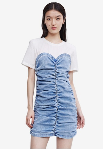 URBAN REVIVO blue Ruched Denim Dress 4DC89AAB441FA7GS_1