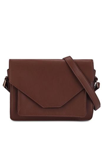 Pieces brown Fille Crossbody Bag EAB74AC7C807DDGS_1